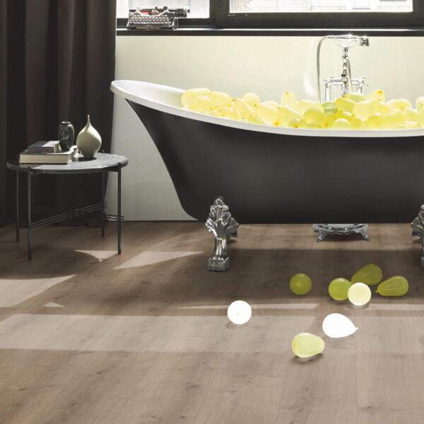 Roble Pure Gris Perla XXL - Vinílico Parador Modular ONE ambiente baño