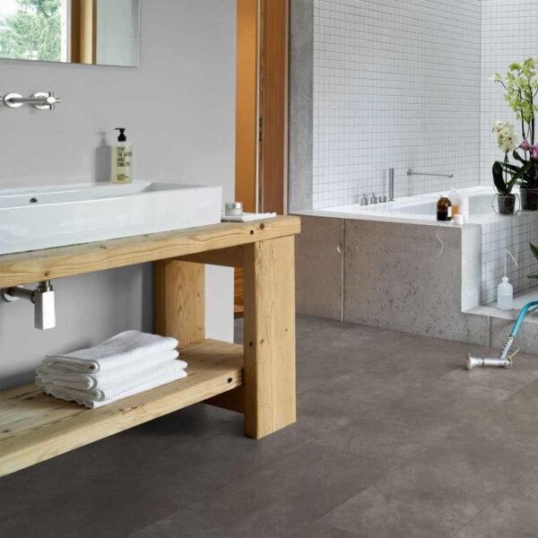 Cemento Gris Oscuro - Vinílico Parador Modular ONE Baldosa Grande ambiente cocina