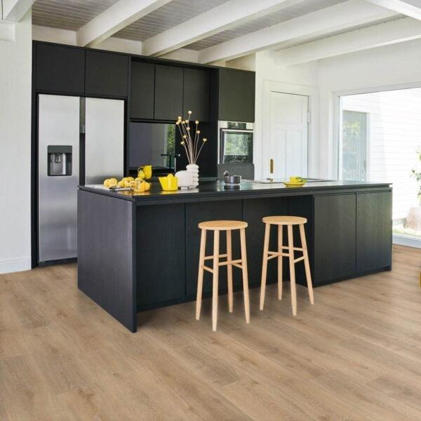 Roble Royal Claro Calizo - Vinílico SPC Parador Classic 2070 ambiente cocina