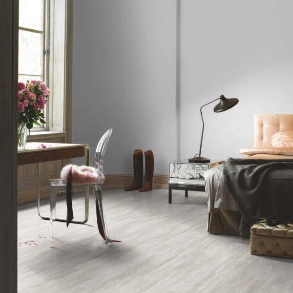 Roble Nordic Gris - Vinílico Parador Modular ONE 1 Lama ambiente dormitorio