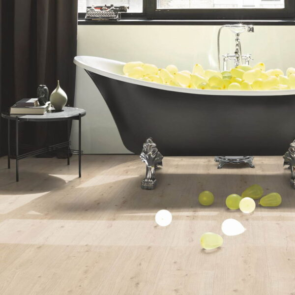 Roble Atmosphere Lijado XXL - Vinílico Parador Modular ONE ambiente baño